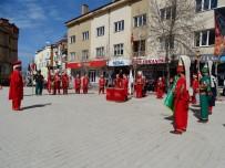 CUMHURİYET MEYDANI - Hisarcık Mehter Takımı Halka Gösteri Sundu