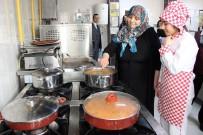 HUZUR EVI - Huzurevi Sakinleri, Mutfakta Tecrübelerini Öğrencilerle Paylaştı