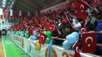 TÜRKIYE BASKETBOL FEDERASYONU - İzmit'te 10 Bin Öğrenciye Basketbol Topu