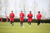 KONYASPOR - Kayserispor'un Genç Kalecileri Fenerbahçe Maçı İçin Eldiven Bekliyor