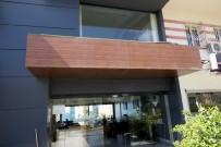 KONUT PROJESİ - Kuşadası'nda Kuveytli Yatırımcı Firmanın Ofisi Kurşunlandı
