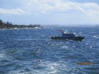 DENİZ POLİSİ - Pendik'te Denizde Bulunan Cesede Lodos Engeli