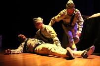 OYUN HAVASI - '1315 Tevellüd' Adlı Tiyatro Oyunu İzleyicilerle Buluştu