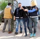 HIRSIZLIK BÜRO AMİRLİĞİ - 50 Bin Liralık Altın Çaldı, Kaçarken Ayağı Burkulunca Yakalandı