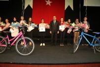 ÇUKUROVA ÜNIVERSITESI - Başkan Çelikcan'dan Başarılı Öğrencilere Bisiklet
