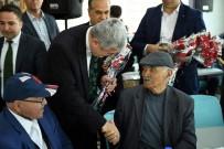 KIRMIZI GÜL - Belediye Başkanı Polat Yaşlıları Misafir Etti