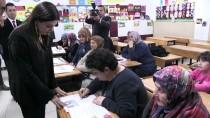 GAZİ İLKÖĞRETİM OKULU - Okul Sıralarıyla 92 Yaşında Buluştu