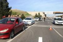 TRAFIK KAZASı - Şanlıurfa'da Trafik Kazası Açıklaması 2 Yaralı