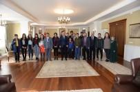 UMRE - Umre Yolcusu Çocuklardan Vali Azizoğlu'na Ziyaret