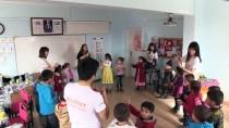 BİLİM ADAMI - Üniversiteliler Köydeki Öğrencilerin 'Güneşi' Oldu