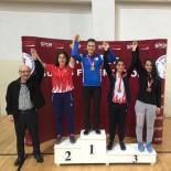 Yalova'da Yapılan Genç Kadınlar Güreş Türkiye Şampiyonası Bitti