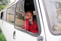 MEHMET TÜRK - Yaşlı Adamın Minibüste Yaşam Mücadelesi