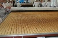 GAZI ÜNIVERSITESI - 513 Kilogramlık Türk Baklavası Guinness Rekorlar Kitabı'na Girdi