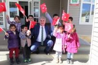 SOSYAL BELEDİYECİLİK - Bayburt Belediyesinden Bir Okula Daha Kütüphane