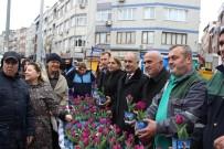 LALE FESTİVALİ - Bayrampaşa Belediye Başkanı Aydıner Vatandaşlara Lale Dağıttı