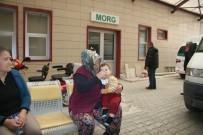 AKALAN - Eymen Bebek Kazada Ölen Anne Ve Kardeşlerinin Cenazelerini Yaşlı Gözlerle Bekledi