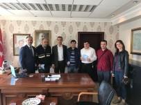 MEHMET AKİF ERSOY - Görme Engelli Personellerden Kaymakam Ve Başkan'a Ziyaret