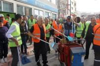 PAYAS - İşçiler İşi Bıraktı, Belediye Başkanı Sokaklarda Temizlik Yaptı