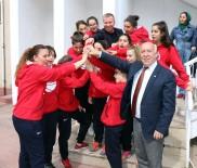 İBRAHIM UYAN - Marmaraereğlisi Belediyespor'dan Başkan İbrahim Uyan'a Ziyaret