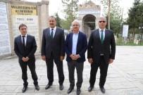 KALDIRIMLAR - Terzibaba Mezarlığında Çevre Düzenleme Çalışmaları Devam Ediyor