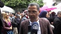 BAŞKENT - Tunus'ta Lise Öğretmenlerinden 'Emeklilik Yaşı' Protestosu
