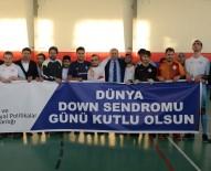 NENE HATUN - Vali Azizoğlu Down Sendromlu Gençlerle Futbol Maçı Yaptı