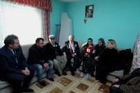 BAŞSAĞLIĞI - Vali Çakacak Ve Eşi Şehit Binbaşı Dunca'nın Ailesine Taziye Ziyaretinde Bulundu