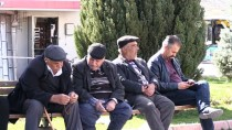 EV TEMİZLİĞİ - 'Vefa Konağı' Çınarların Yüzünü Güldürecek