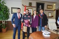 DÜZCE ÜNİVERSİTESİ - Başarılı Sporcudan Düzce Üniversitesi Rektörü'ne Ziyaret