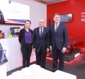 VODAFONE - Başbakan Yardımcısı Mehmet Şimşek Vodafone Standını Ziyaret Etti