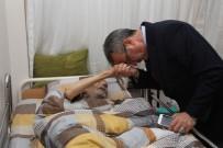 AYHAN YıLMAZ - Başkan Köşker, Evde Tedavi Gören Hastaları Ziyaret Etti