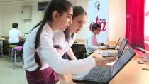 BİLGİSAYAR OYUNU - Bilgisayar Oyunuyla Ders Çalışıyorlar