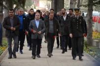 ERKAN ZENGİN - Eskişehirsporlu Oyuncular Vasiyet Üzerine Şehit Mithat Dunca'nın Kabrini Ziyaret Etti