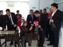 ŞEREF AYDıN - Huzurevindeki Yaşlıları Yalnız Bırakmadılar