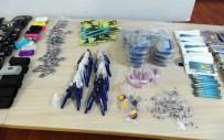 ELEKTRONİK SİGARA - Kaçak Sigara Üretilen Ev Ve Kapıcı Dairesine Polis Baskını