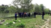 CEYHAN NEHRİ - Kayıp Kişinin Cesedi Nehirde Bulundu