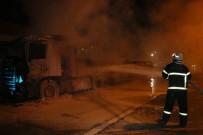 ÇUKUROVA ÜNIVERSITESI - Yanan TIR'dan Canını Son Anda Kurtardı