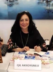 'Altın Kalem Ödülü' Türk Yazara Verildi