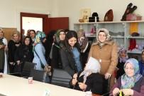 EMEKLİ MEMUR - Arnavutköy Belediyesi Kadın Kültür Ve Sanat Merkezi'nden Yaşlılara Ziyaret