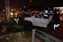 E5 KARAYOLU - Bakırköy'de Kaza; 1'İ Ağır 3 Yaralı
