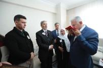 ASKER KAÇAĞI - Başbakan'dan, Şehit Polisin Ailesine Ziyaret