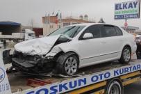 AKÇAKIRAZ - Elazığ'da Trafik Kazası Açıklaması 2 Yaralı
