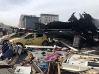 Iğdır'da Çatı Taksi Durağına Uçtu Açıklaması 3 Yaralı