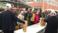 Kargı'da Vatandaşlara Fidan Dağıtıldı