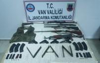 JANDARMA - Silah Satarak PKK'ya Finans Sağlayan 2 Kişi Gözaltına Alındı