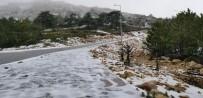 KARDAN ADAM - Spil Dağı'na Mart Ayında Kar Düştü