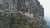 ZİYARETÇİLER - Sümela Manastırı'ndaki Restorasyon Çalışmaları 2,5 Yıldır Sürüyor