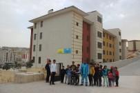 EL YAPIMI BOMBA - Temizlik İşçisi Buldu Açıklaması Okul Yoluna Tuzaklanmış...