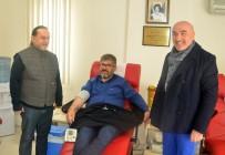 NIHAT ÖZTÜRK - Ak Partili Milletvekili Öztürk Kan Bağışladı