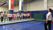 Antrenör Çift, Geleceğin Cimnastikçilerini Yetiştiriyor